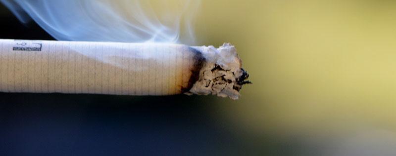 het roken van een sigaret zorgt voor huidveroudering