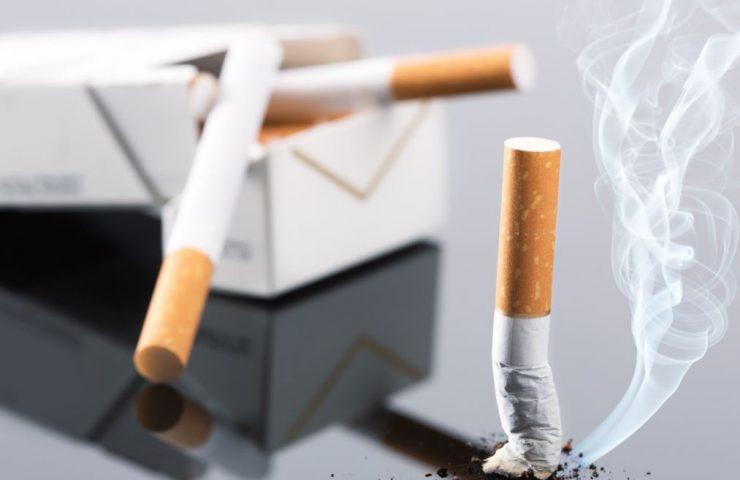 sigaretten met pakje stoppen met roken wat moet je weten